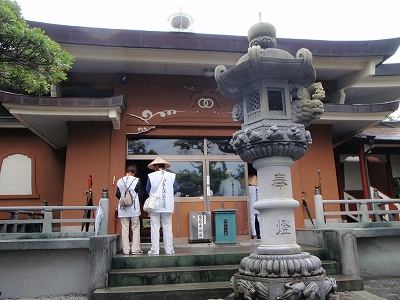 津照寺本堂